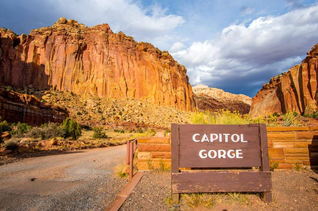 Capitol Gorge road entrance